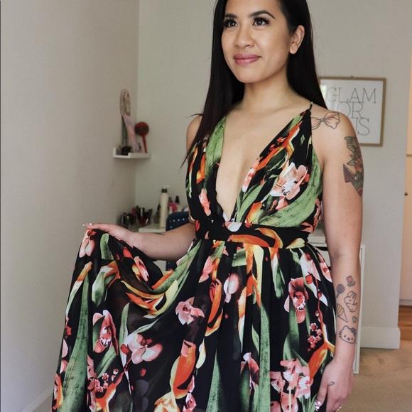 Luxxel Dresses & Skirts - Luxxel Floral Hi-Lo Maxi Dress